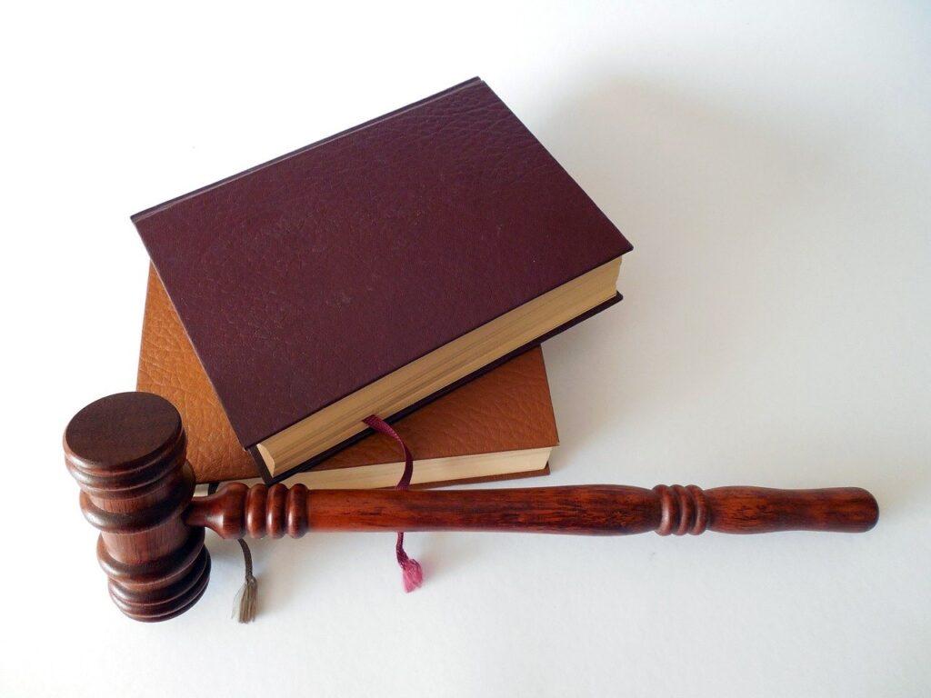hammer, books, law-719062.jpg